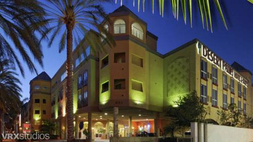 Desert Palms Hotel & Suites Anaheim Resort
