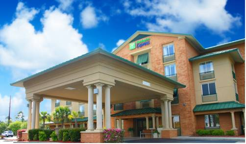 Holiday Inn Express Hotel & Suites Bluffton @ Hilton Head Area